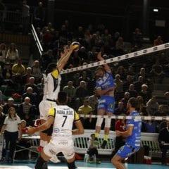 Brescia annulla Spoleto e dedica l'ottava vittoria a Gianni Comati
